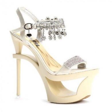 Sandália - Dourada com Strass