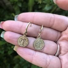 Argolas com Medalhinhas