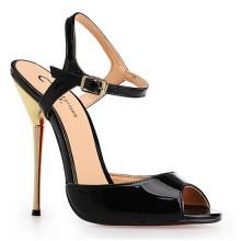 Sandália - Preta e Dourada
