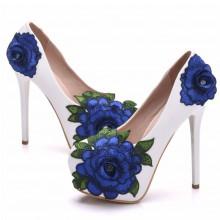 Scarpin - Branco com Flor Azul